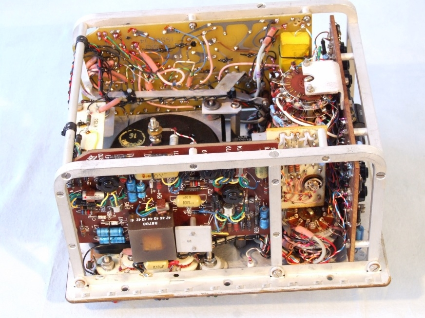 Inside CT471 multimeter