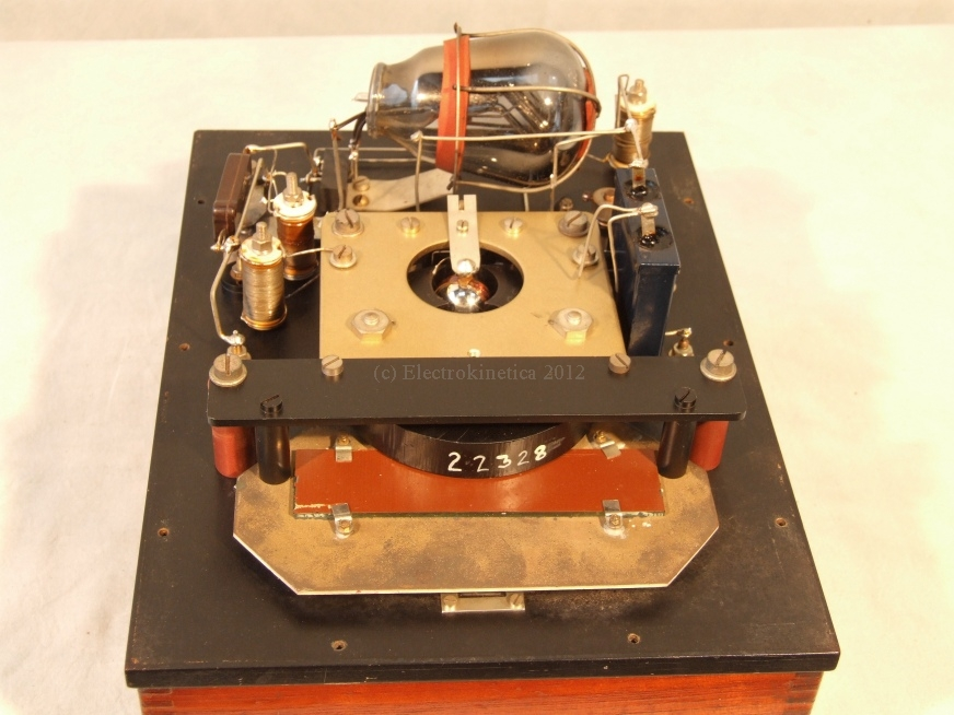 Inside Cambridge valve voltmeter